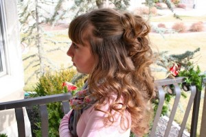 Side view of No-Heat Hairstyles   Headband Curls