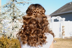 Back view of No-Heat Hairstyles | Sock Curls