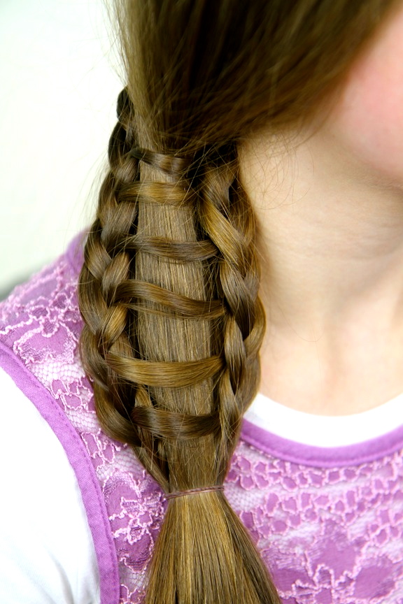 Steps to do a Ladder Braid Ladder Braid Into Side