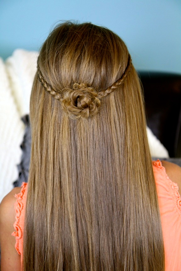 Attractive Cute Braided Flower Tieback | Hairstyles For Long Hair