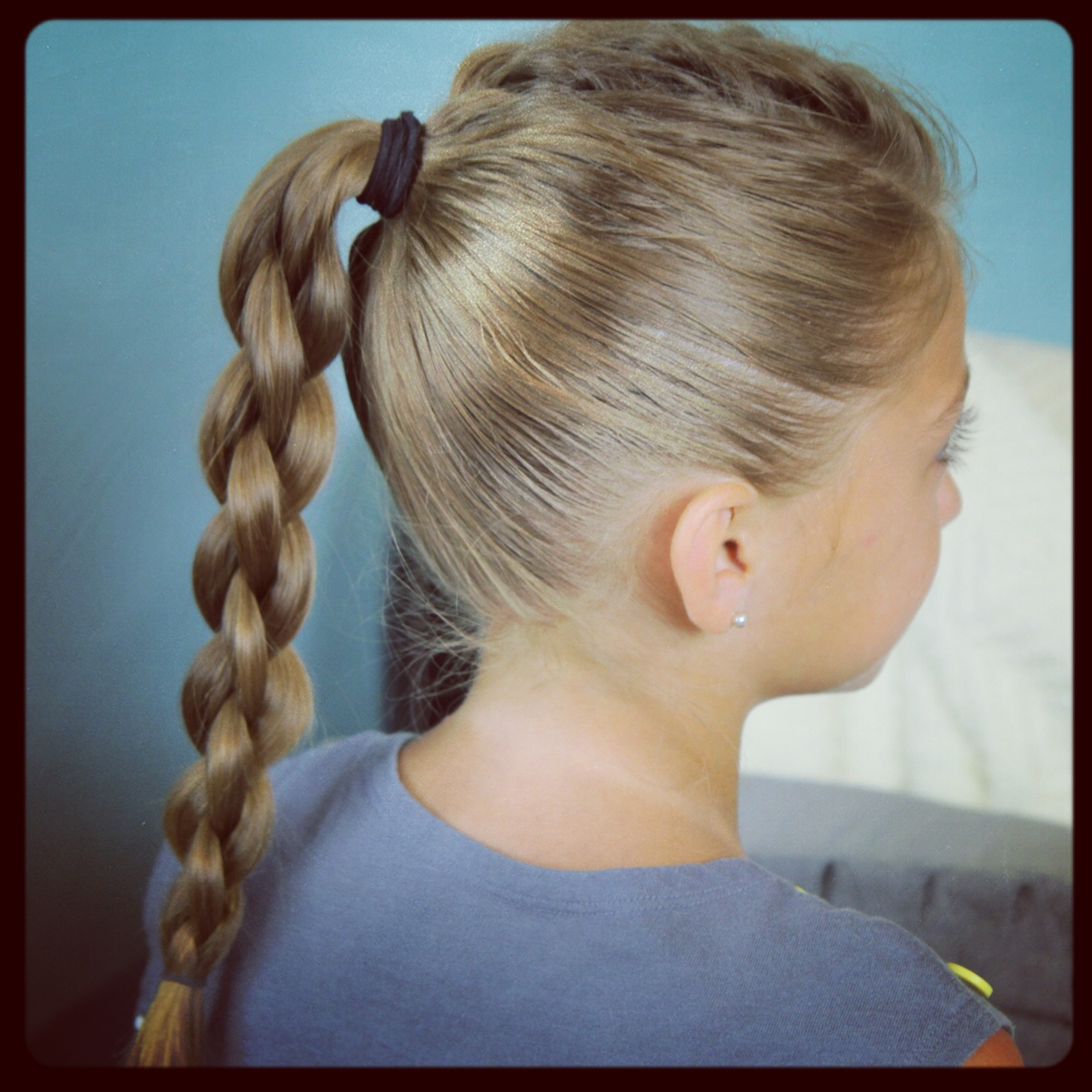 Cute Girls Hairstyles: Single Frenchback Into Round Braid