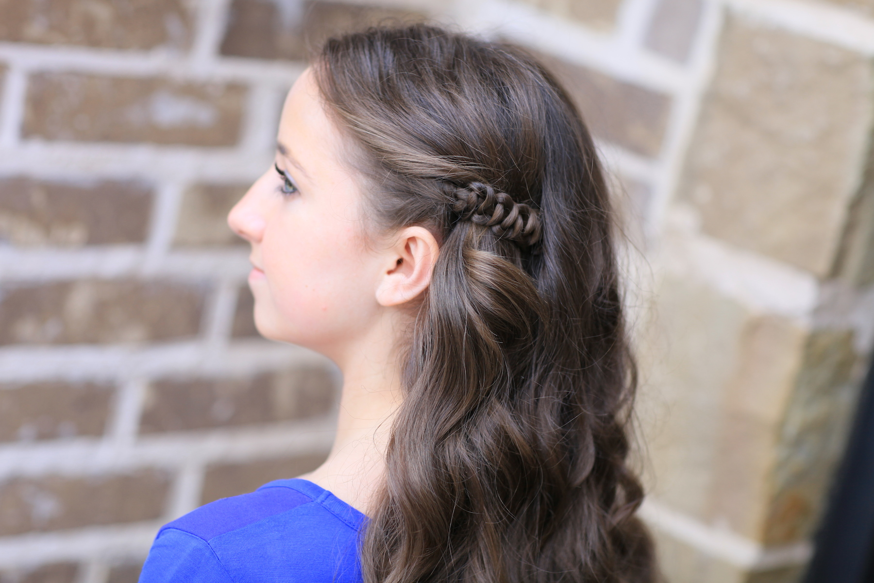 Hairstyles: How To Create A Sides-Up Slide-Up Hairstyle