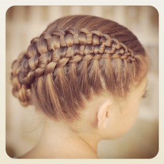 http://www.cutegirlshairstyles.com/hairstyles/time/5-10mins/zipper-braid/