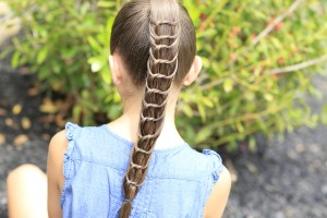 The Knotted Ponytail