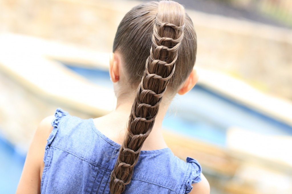 The Knotted Ponytail | Cute Hairstyles