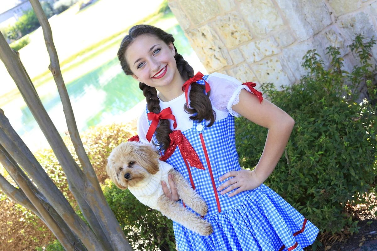 Dorothy Braids | The Wizard of Oz  sc 1 st  Cute Girls Hairstyles & Baileyu0027s Dorothy Braids | Halloween Hairstyles | Cute Girls Hairstyles