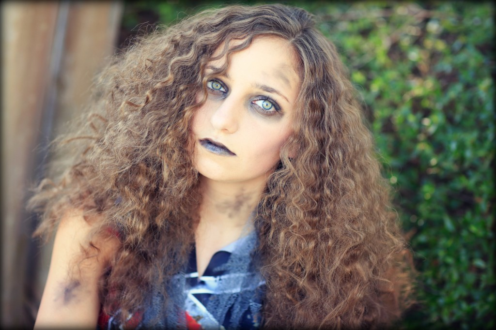 Zombie Cheerleader | Halloween Hairstyles