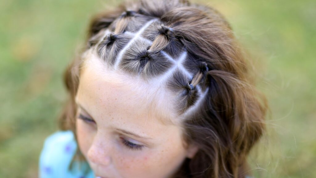Flip-Under Accents   Easy Hairstyles