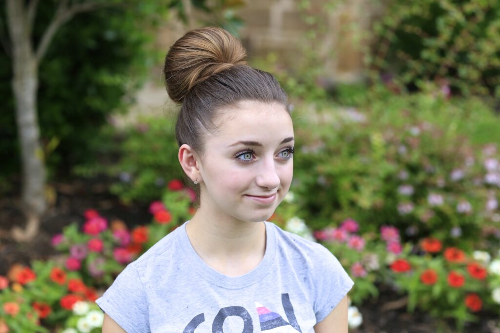 The Fan Bun | Prom Updos