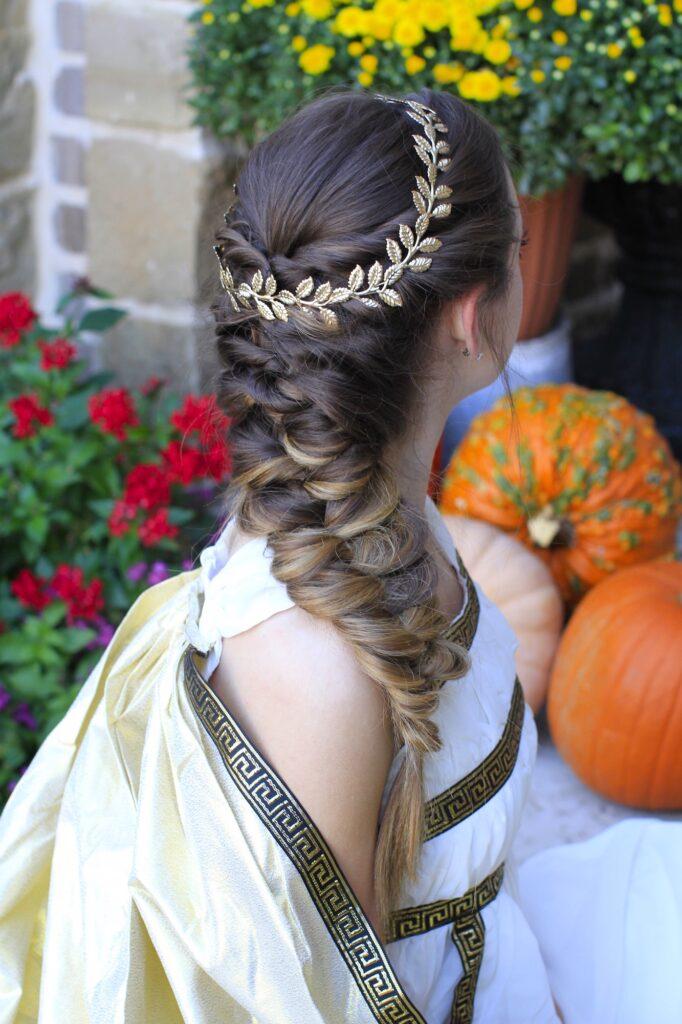 Twist Faux Braid | Halloween Hairstyles - Cute Girls