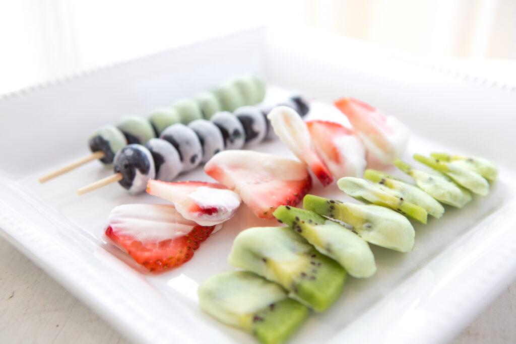 healthy snacks | frozen fruit dippers