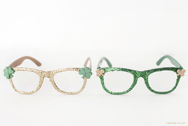st patricks day glitter glasses
