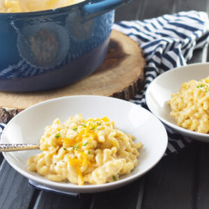One Pot Macaroni and Cheese is a quick and easy recipe for creamy macaroni and cheese on the stove top!