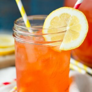 Strawberry Lemonade- easy to make and SO refreshing for summer
