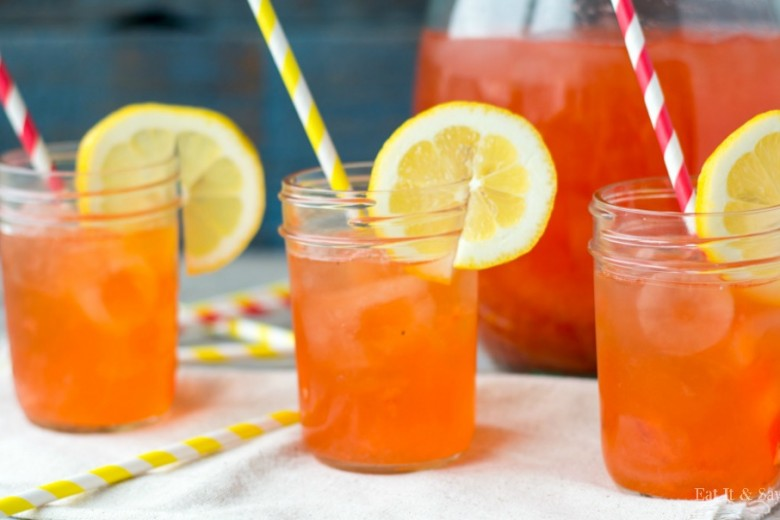 Strawberry Lemonade- great for sipping all summer and kids love to help with this recipe!