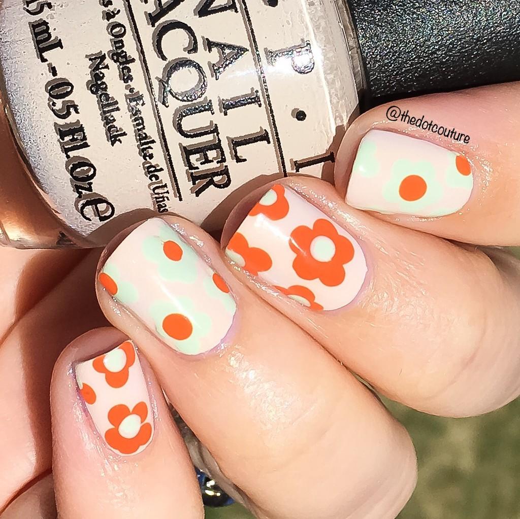 Floral Nail Art | CGH Lifestyle