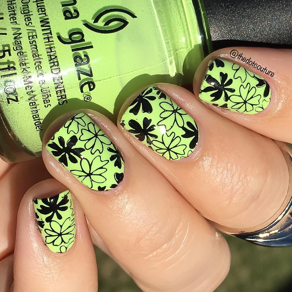 Рисунок на зеленых ногтях фото