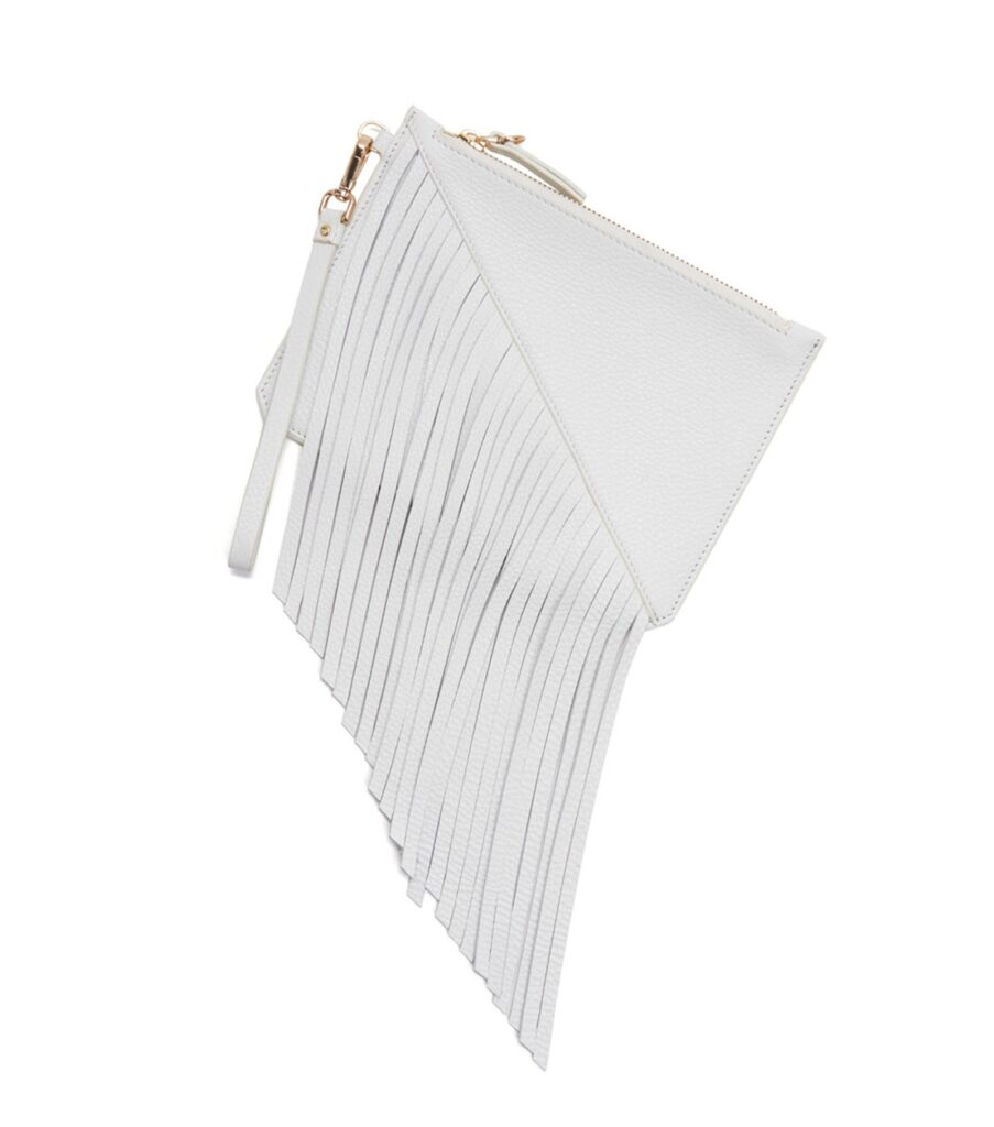 White leather wristlet | CGH Lifestyle