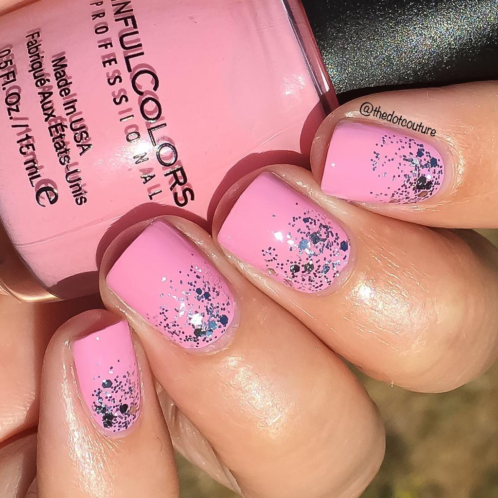 Glitter Gradient Nails   CGH Lifestyle