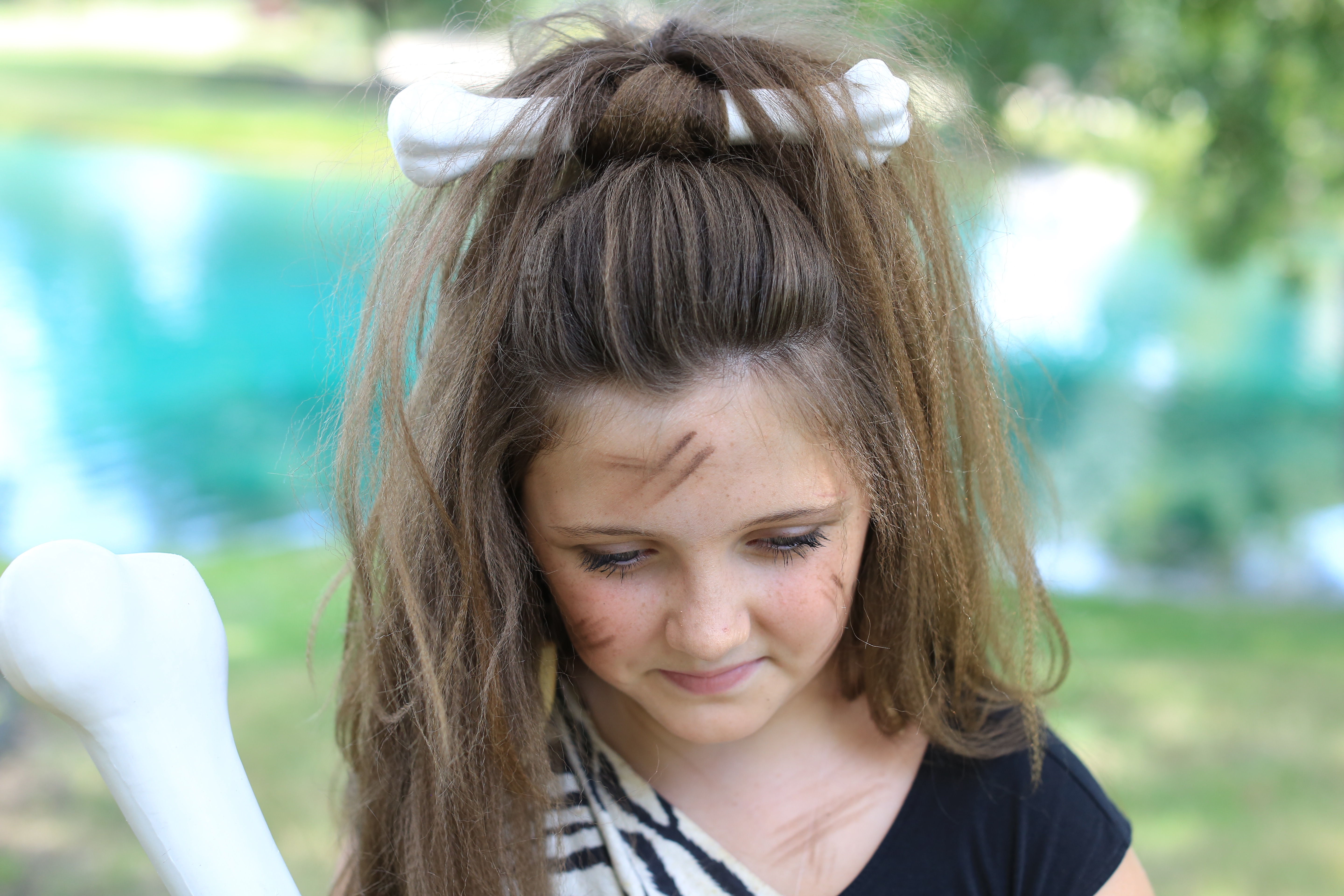 Cave Woman Half Up Halloween Hairstyle Cute Girls Hairstyles