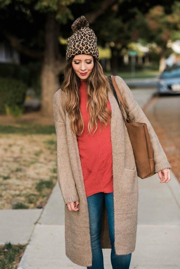 Woman outside wearing Fall apparel