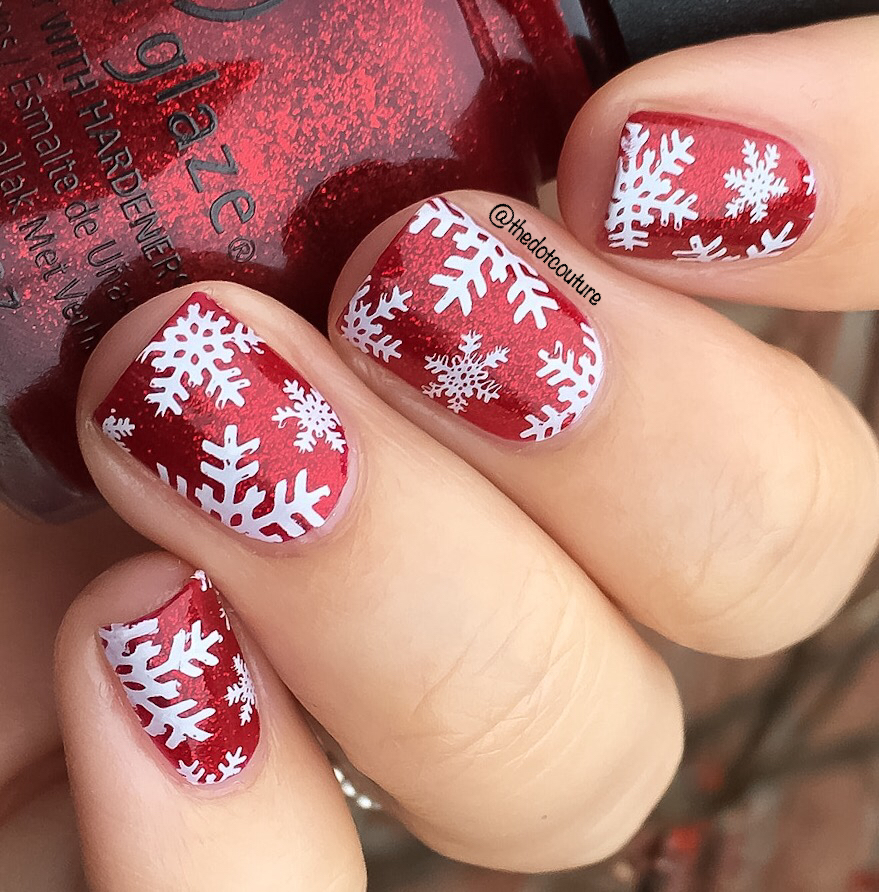Christmas Holiday Nail Art Manicure red and white snowflakes