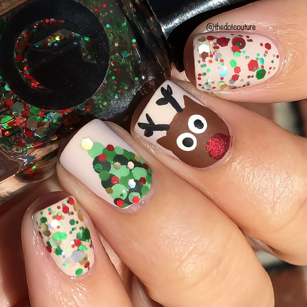 Christmas Holiday Nail Art Manicure rudolph tree