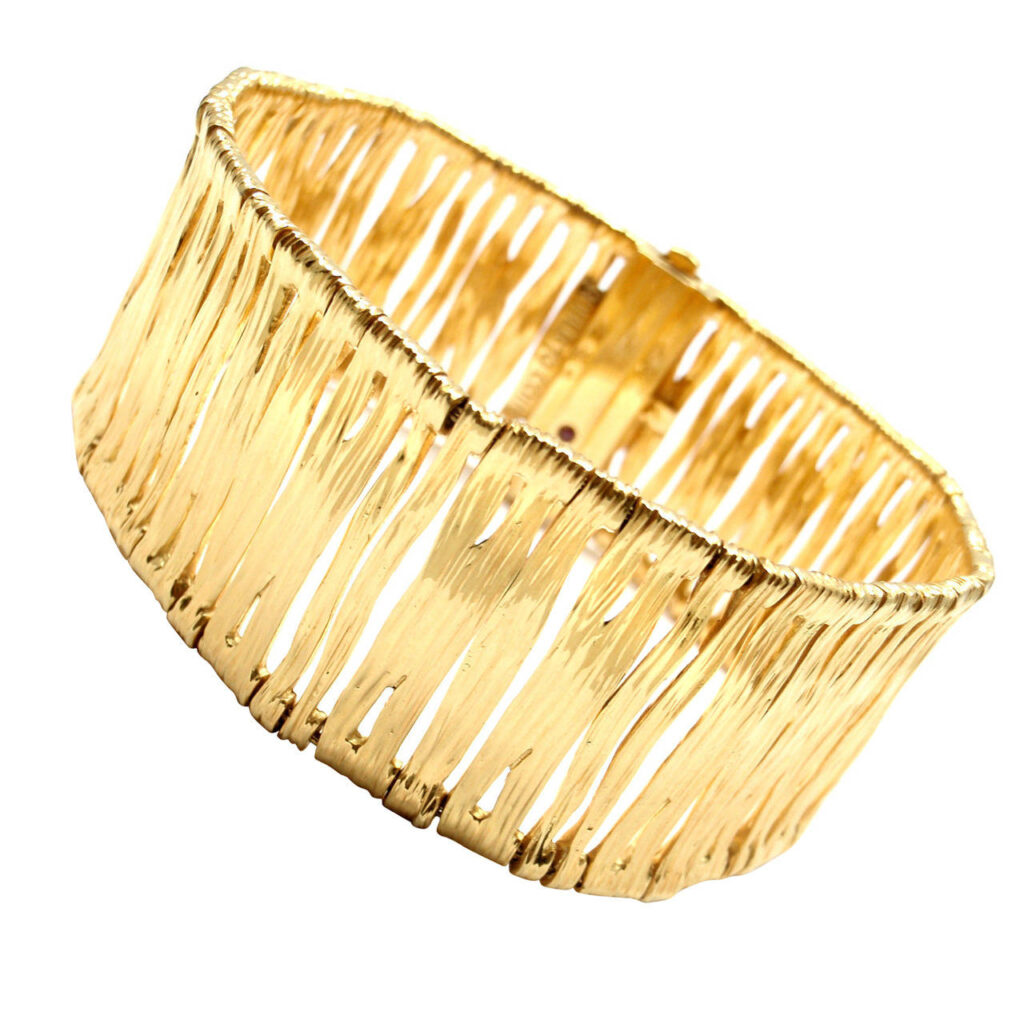 Gold Bangle | CGH Lifestyle