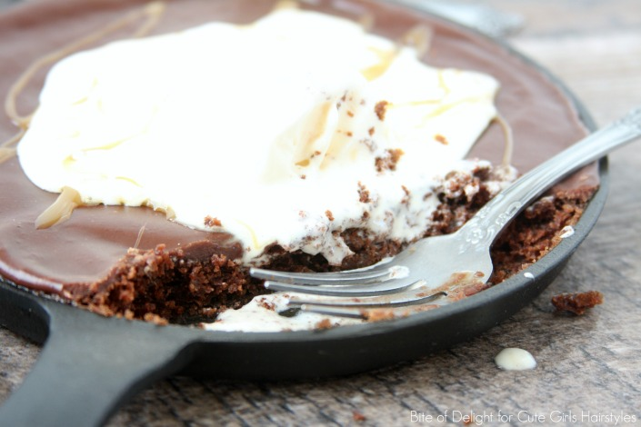 Texas Sheet Cake Mini Skillets | Chocolate | Dessert | Recipe