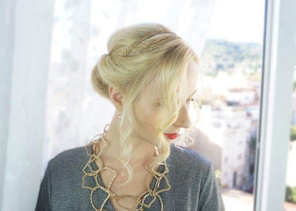 Easy holiday hairstyles for medium length hair