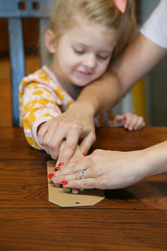 Christmas Tree Handprint Ornament | CGH Lifestyle