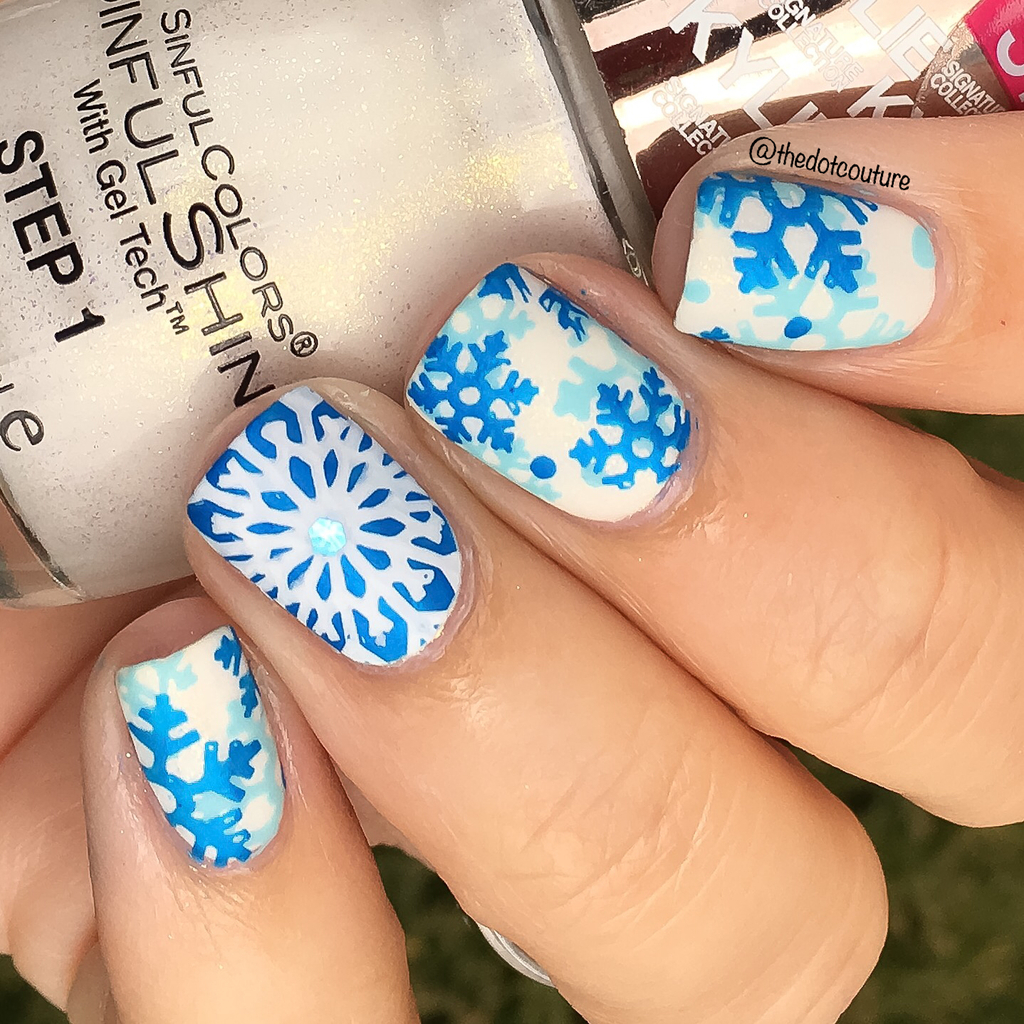 Glitter Snowflakes | CGH Lifestyle
