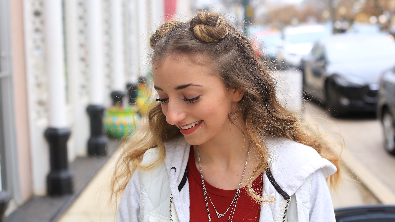 Brooklyn S Double Bun Half Up Hair Hack Cute Girls Hairstyles