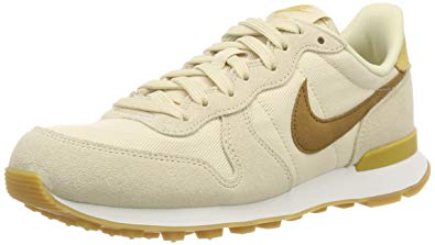Nike Women's WMNS Internationalist Fitness Shoes Beige (Beach/Wheat Gold)