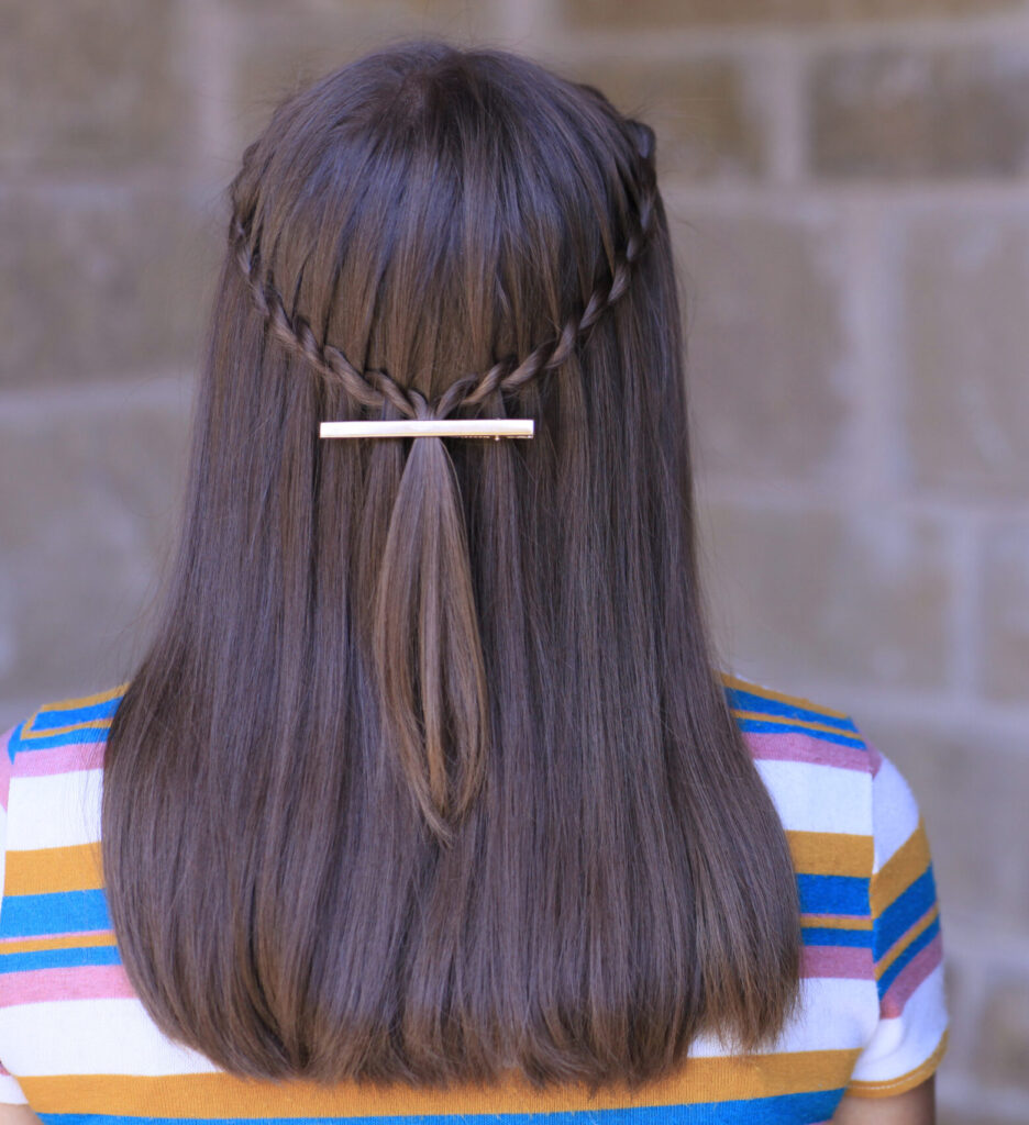 Back view of the Waterfall Twist Hack
