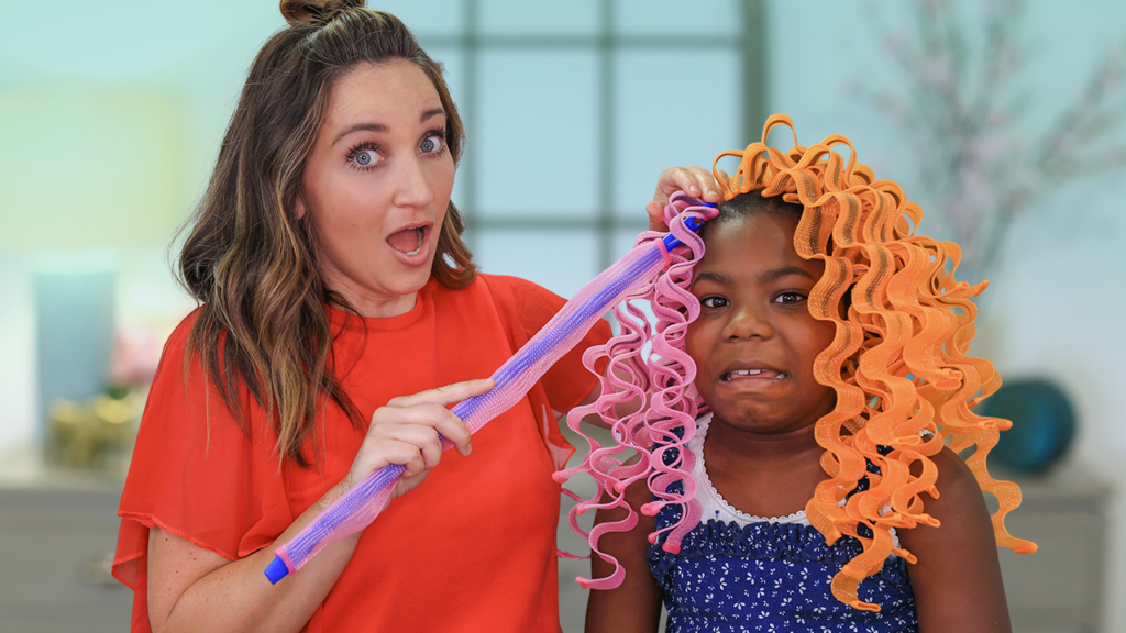 Mother and daughter shocked when styling hair
